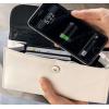 Portafoglio con power bank integrato