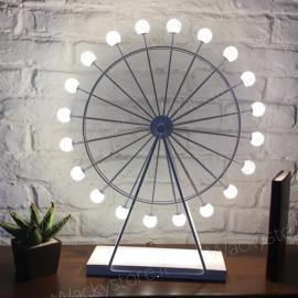 Lampada luna park - La ruota luminosa può essere fatta girare a mano