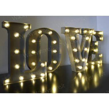 LOVE - Quattro lettere...