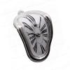 """Orologio """"sciolto"""" da mensola - Il tempo sospeso di Dalì"""